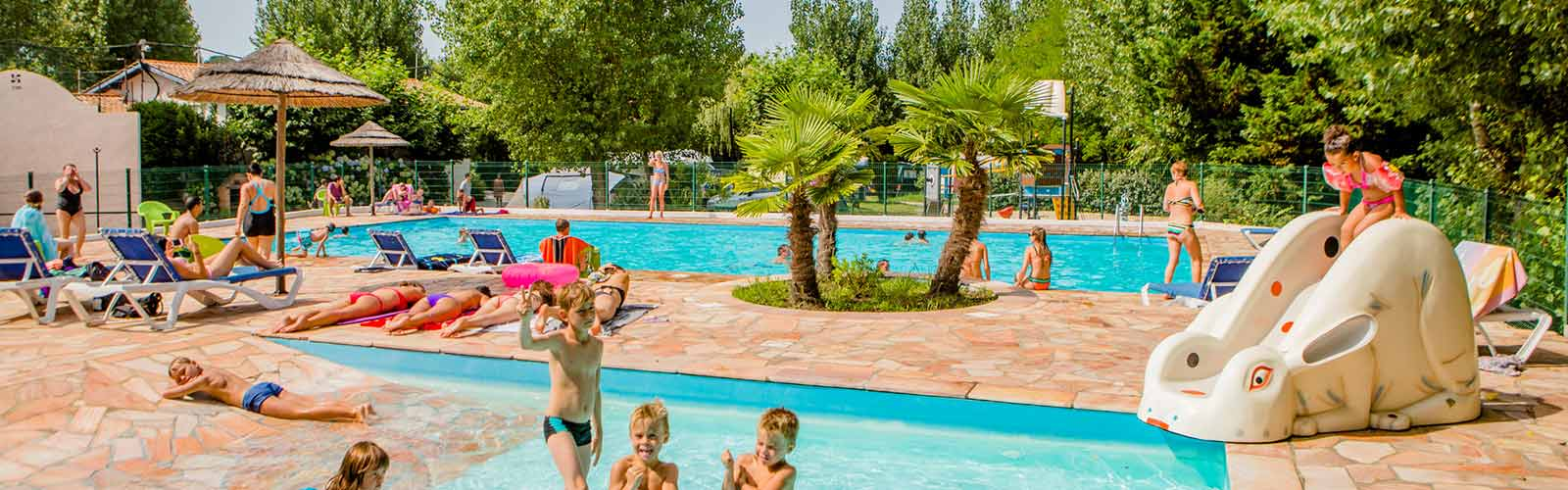 Camping pays basque avec piscine bord de mer espace for Camping chambery avec piscine