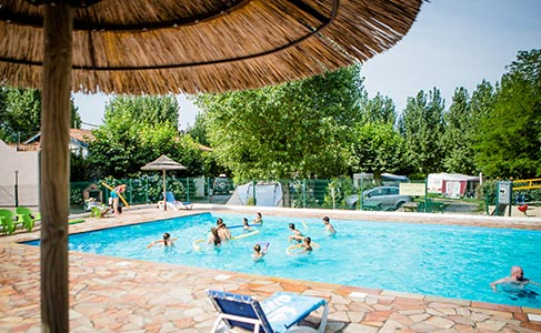 Camping pays basque 3 etoiles bord de mer camping for Piscine municipale biarritz