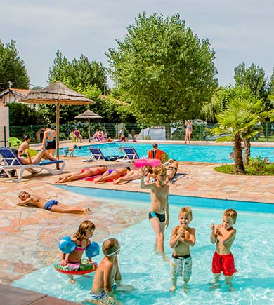 Activit s au camping pays basque vacances en camping for Camping a biarritz avec piscine