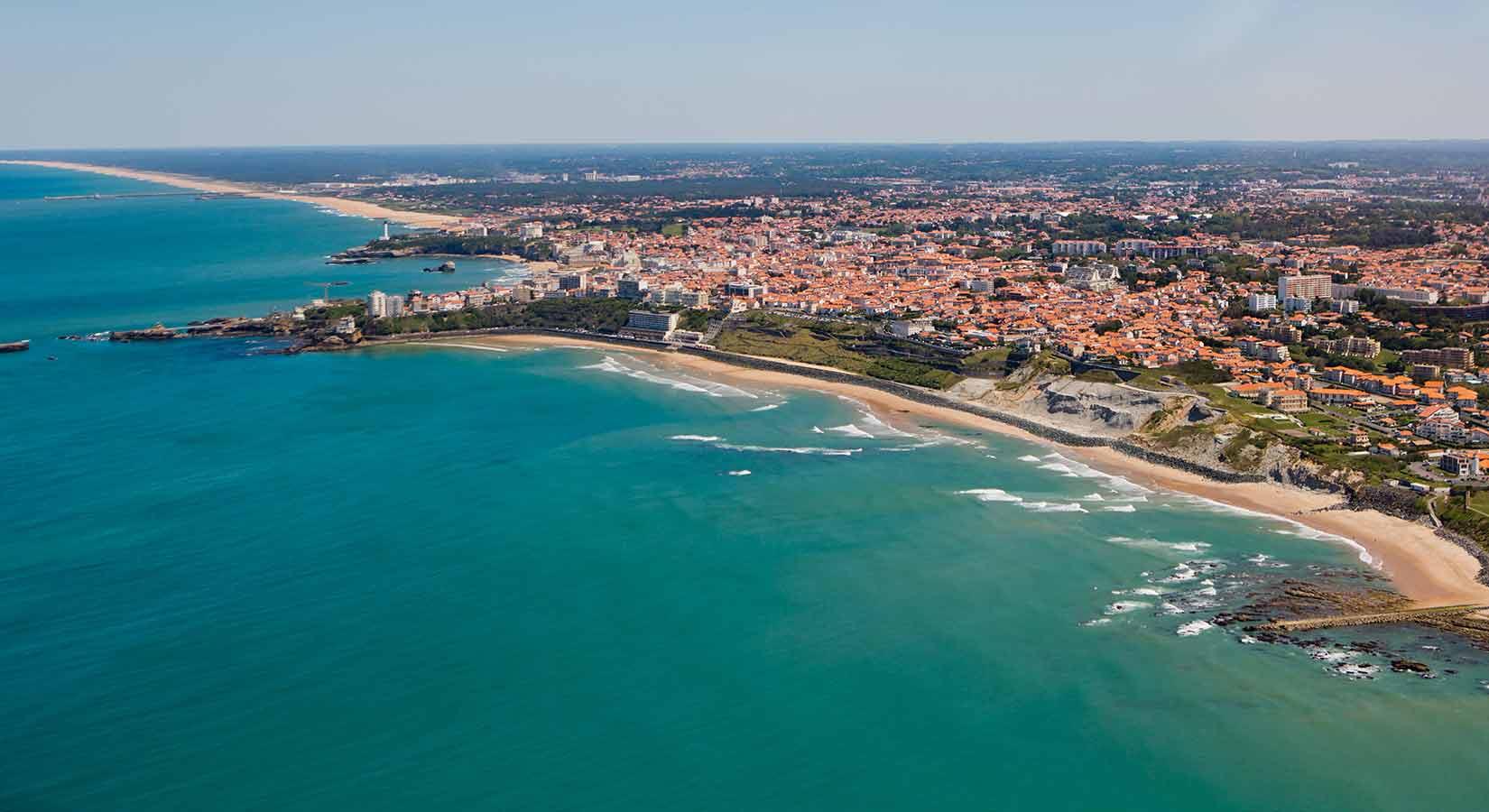 Camping biarritz caravaning biarritz location mobil for Camping pays basque bord de mer avec piscine