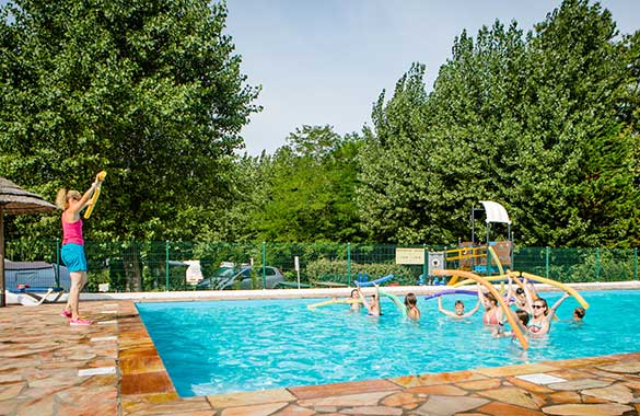 Camping pays basque avec piscine bord de mer espace for Camping brignoles avec piscine