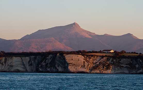 Camping urrugne caravaning urrugne location mobil home for Camping avec piscine pays basque