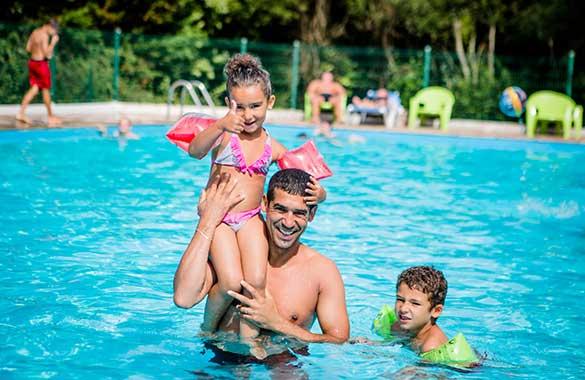 hotel de plein air avec piscine pays basque
