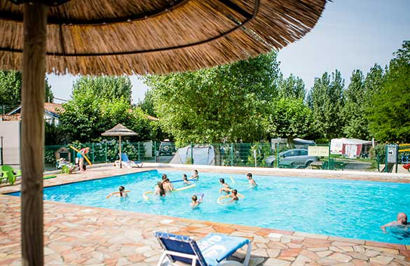 camping piscine pays basque